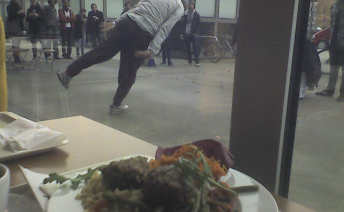 Koeftebuletten-mitBreak-Dance